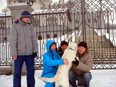 Мы всецело погрузились в выстраивание отношений с нашим новым членом семьи. Нашим главным постулатом при этом было уважение к индивидуальности собаки.