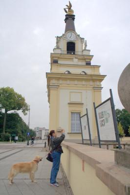 Рядом с отелем, где мы поселились, находился удивительный дворцово - парковый ансамбль Браницких. Куда мы поспешили со своими питомцами Рошей и Мирочкой.